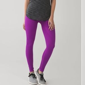 Lululemon Zone In Tight blue leggings 4